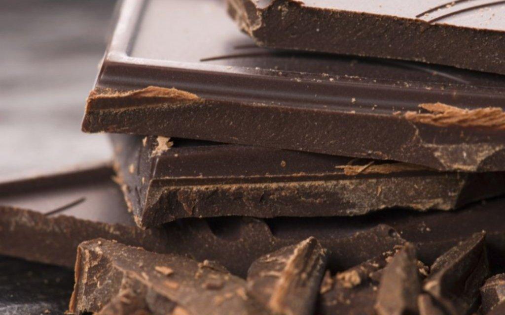 Condenan a prisión a una joven por intentar sustraer 35 chocolates y violar el aislamiento