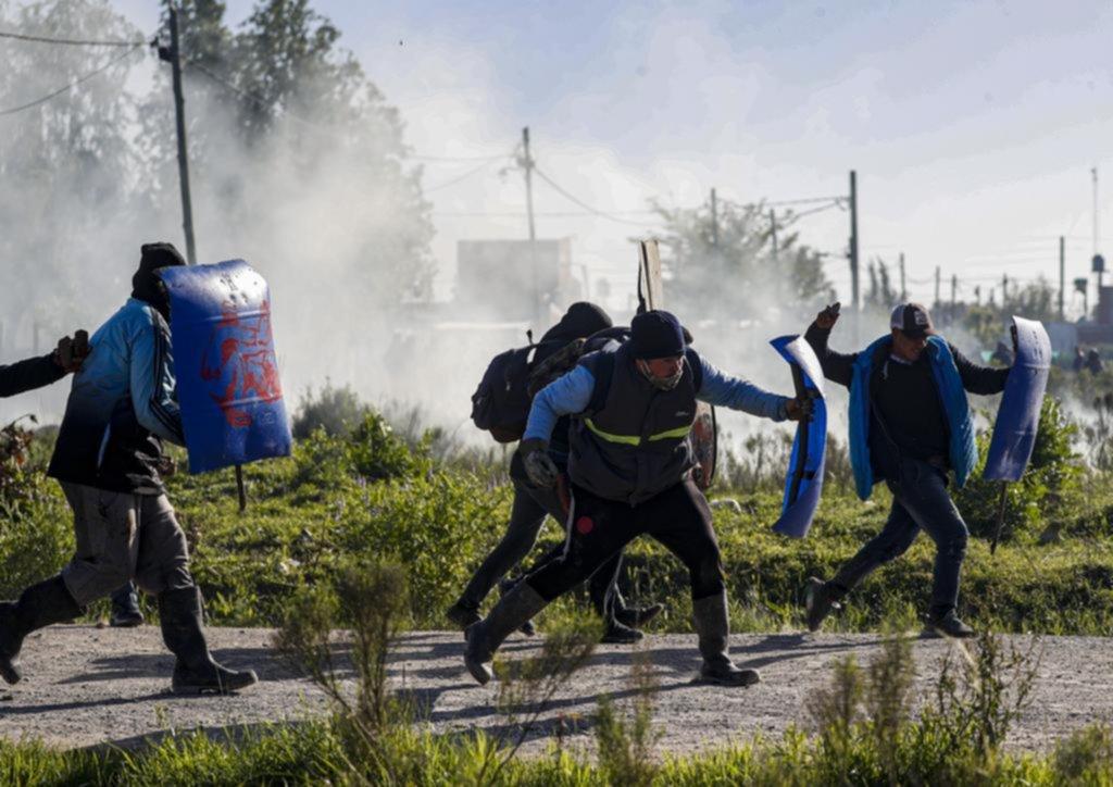 Tres militantes platenses de izquierda, entre los imputados por la usurpación en Guernica