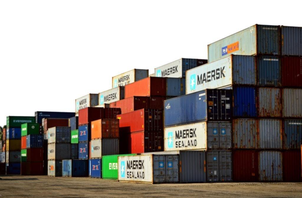 Con el torniquete a las importaciones las fábricas sufren y escasean dólares