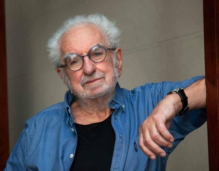 """Pacho O'Donnell: """"El teatro es una forma de defenderme de la pandemia"""""""