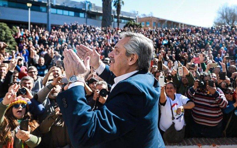 Alberto Fernández llamó a movilizarse en todas las plazas del país el 17 de octubre
