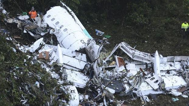 Especialista asegura que el avión que transportaba al Chapecoense se quedó sin combustible