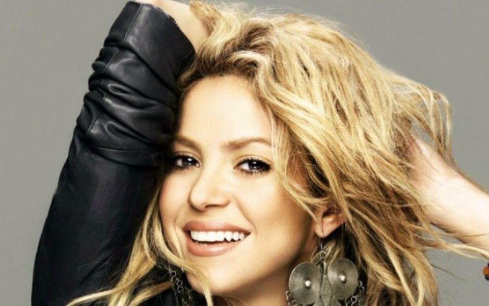 Shakira suspende presentaciones hasta 2018 por problemas en sus cuerdas vocales