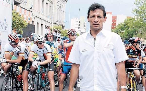 """El campeón olímpico Curuchet pidió a Macri que """"revierta la situación del Enard"""""""