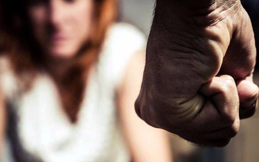 Se mantiene la cifra de un femicidio cada 30 horas, según la Defensoría del Pueblo