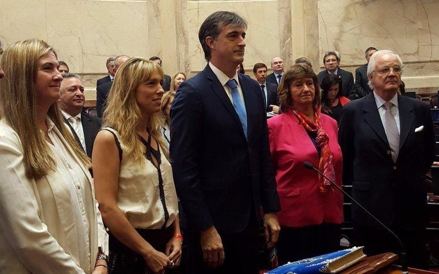 Bullrich juró acompañado de su familia y contó qué se dijeron con Cristina