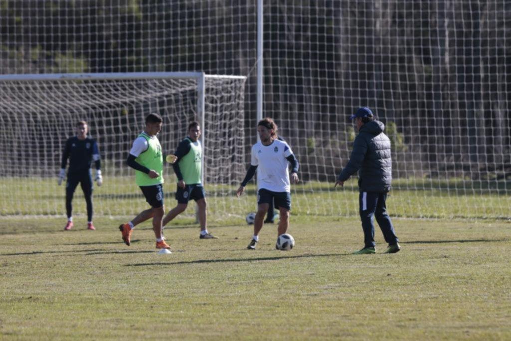 Pedro Troglio tiene todo muy claro, y ya definió el equipo para recibir el domingo al líder