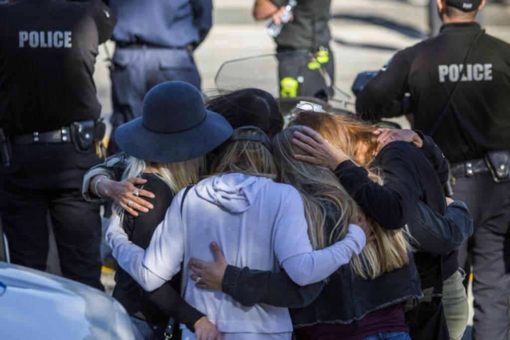 Trece muertos por otro tiroteo en un bar repleto de jóvenes en California