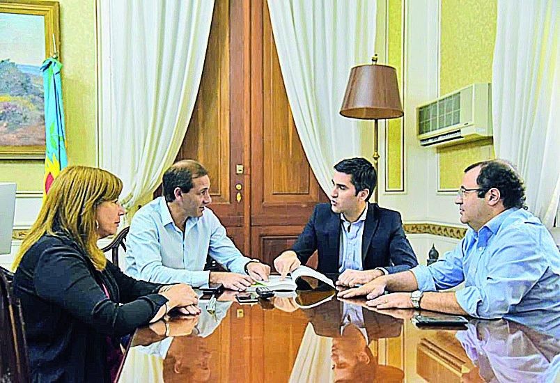 Vidal busca respaldo de intendentes propios por el Presupuesto 2019