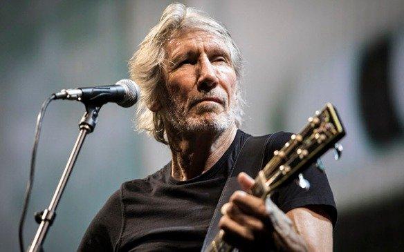 A pesar del clima, Roger Waters toca en el Estadio Único
