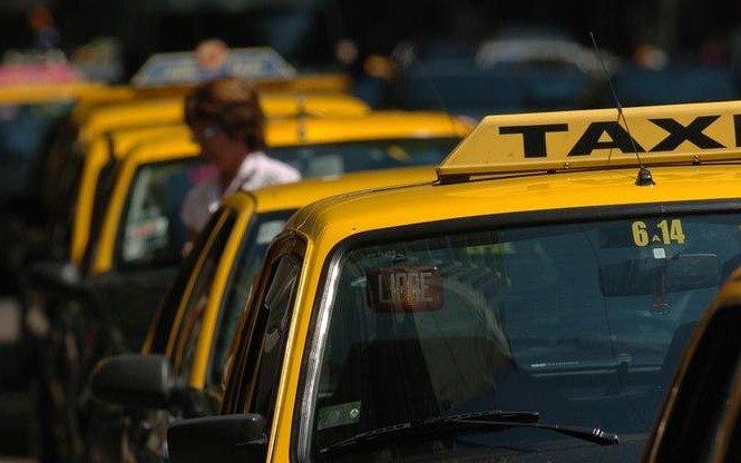 El Ministerio de Transporte establece un régimen tarifario controlado para los taxis
