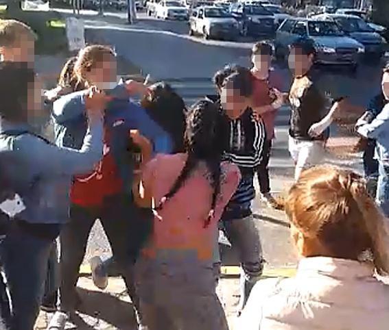 Chicos a los golpes: la escalada de casos no para y los docentes dicen estar desbordados