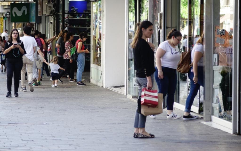 En La Plata ningún rubro comercial se salva de la acentuada caída en las ventas