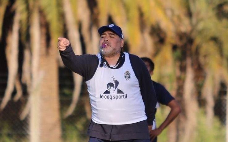 Nuevo faltazo de Maradona alimenta los rumores en Gimnasia