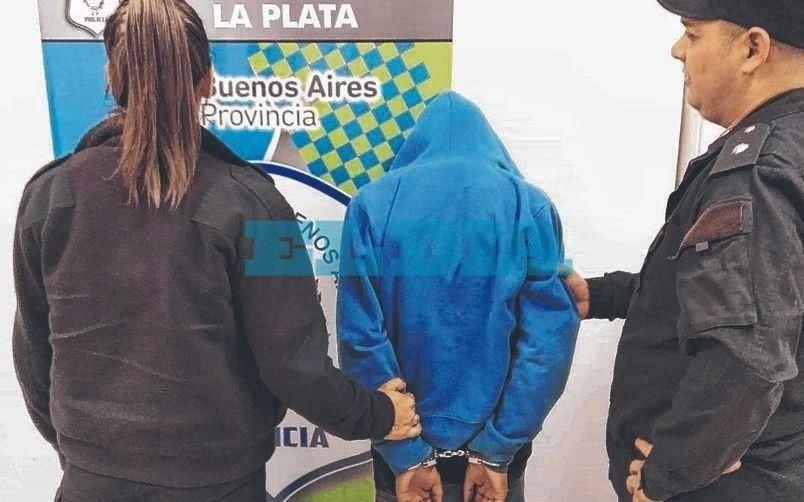 Persecución, choque y tiroteo en Altos de San Lorenzo termina condos sujetos detenidos