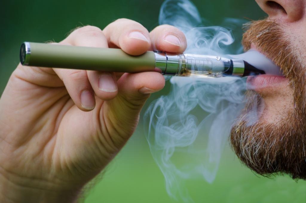 Detectan el primer caso de lesión pulmonar por cigarrillo electrónico en el país