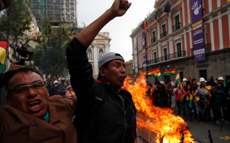 """Evo Morales califica de """"racistas y golpistas"""" a líderes opositores"""