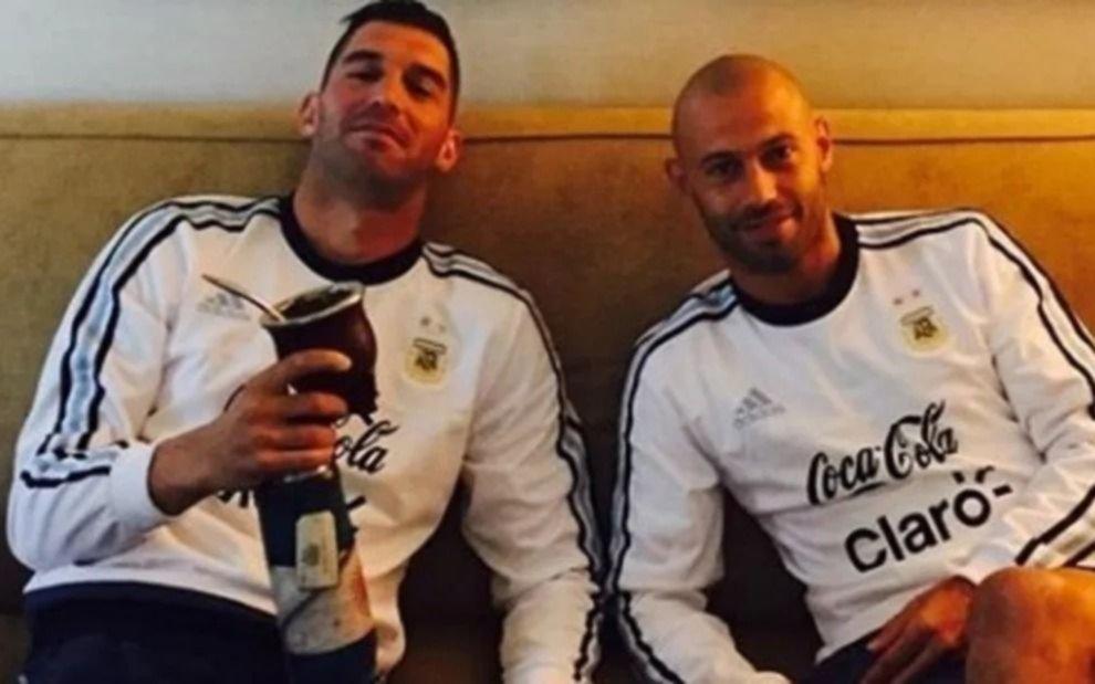 Andújar le metió presión a Masche por Instagram y el volante le contestó