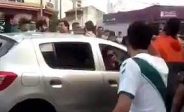 Violencia extrema: hinchas de Banfield sembraron pánico en una familia de Lanús - Deportes - Diario El Dia. www.eldia.com