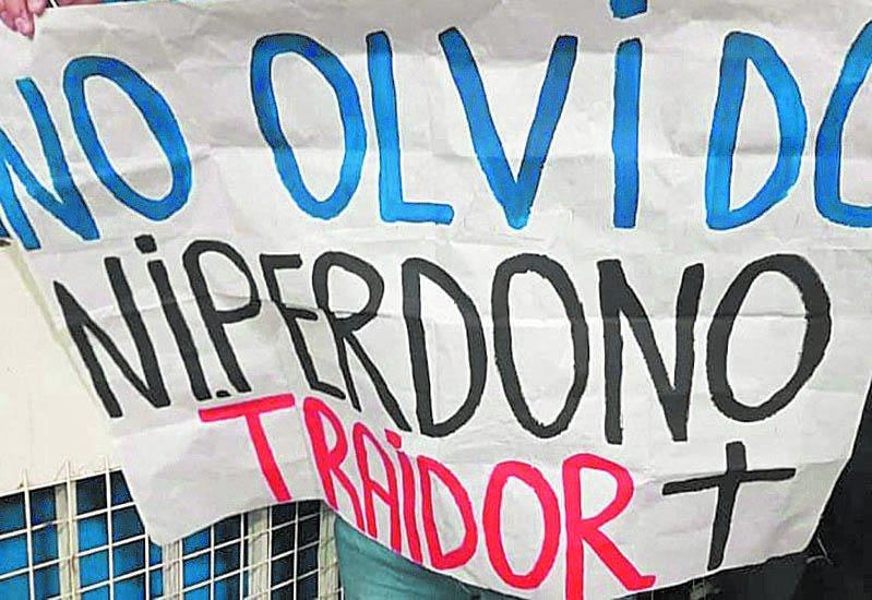 """Contravención para el hincha de Vélez; Chilavert lo """"bancó"""""""