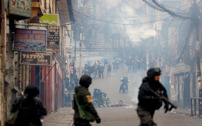 Crisis en Bolivia: jornada de violentos enfrentamientos entre manifestantes y la Policía