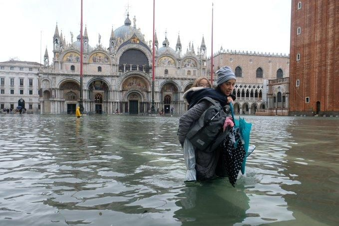 Muerte en Venecia, caos y devastación por el avance de la marea alta