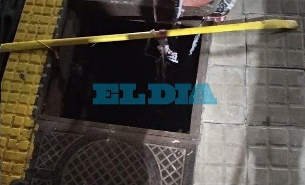 Alerta por cámara pluvial sin tapa en 11 y 60 - Diario El Día
