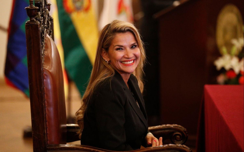 El Gobierno interino de Áñez y un sector del partido de Morales abren diálogo para pacificar Bolivia
