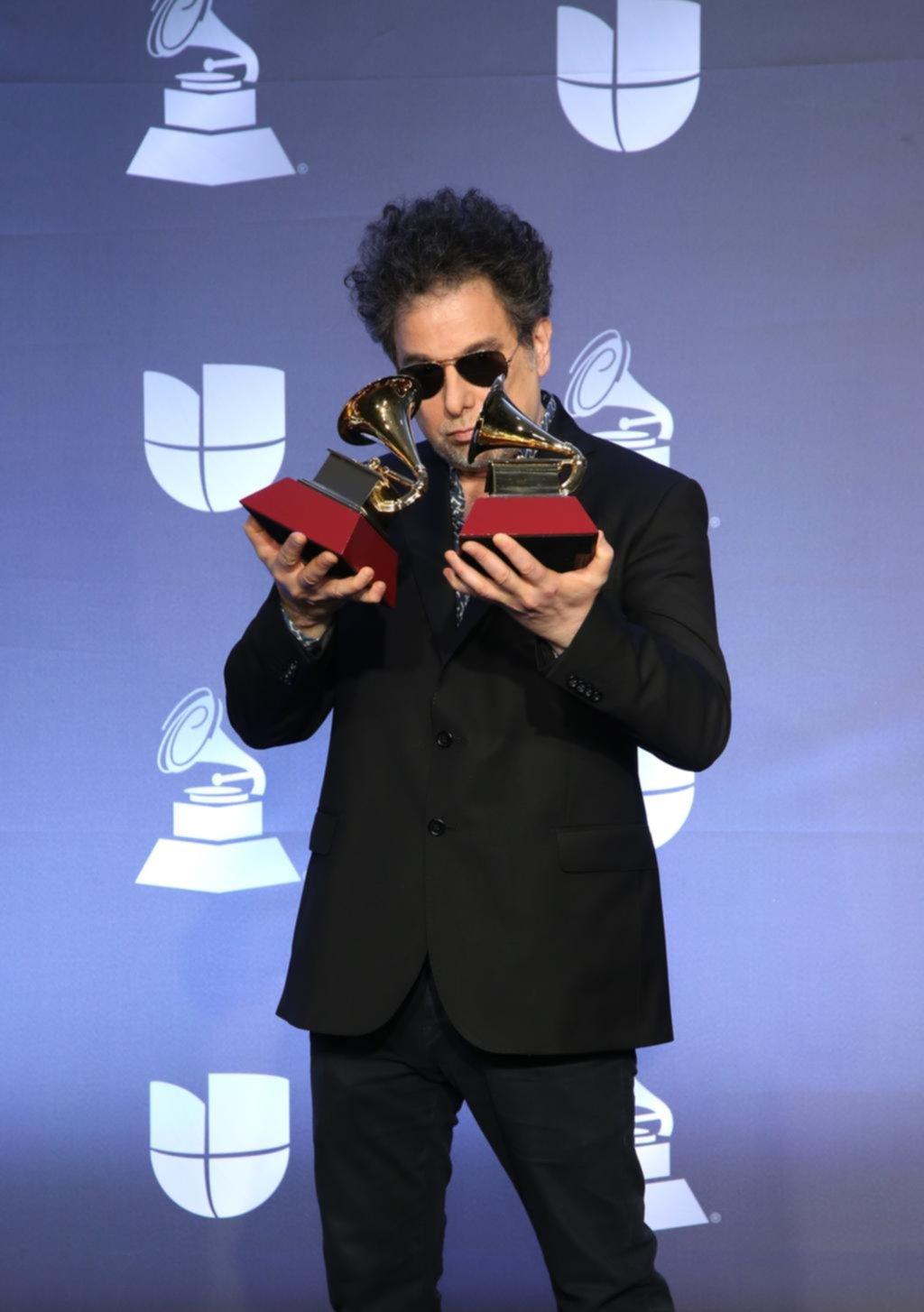 Noche argentina: Calamaro, Fito y hasta Cerati en la gran fiesta de los Grammy Latinos