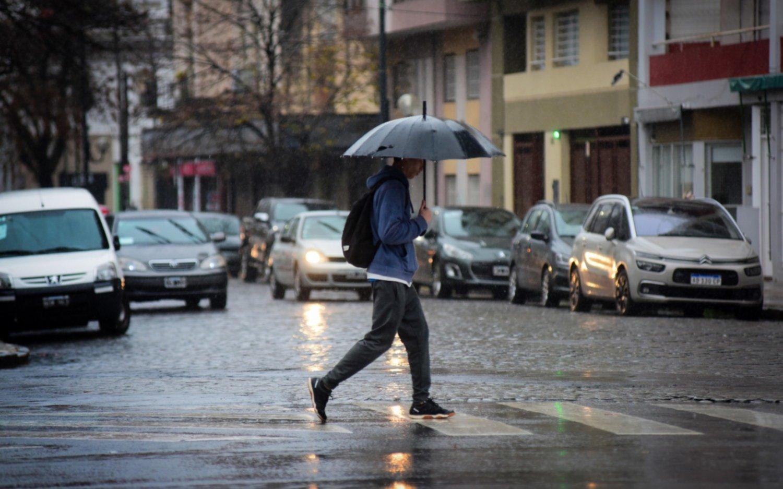 Sábado nublado, con lluvias y una máxima de 27 grados: ¿y mañana?