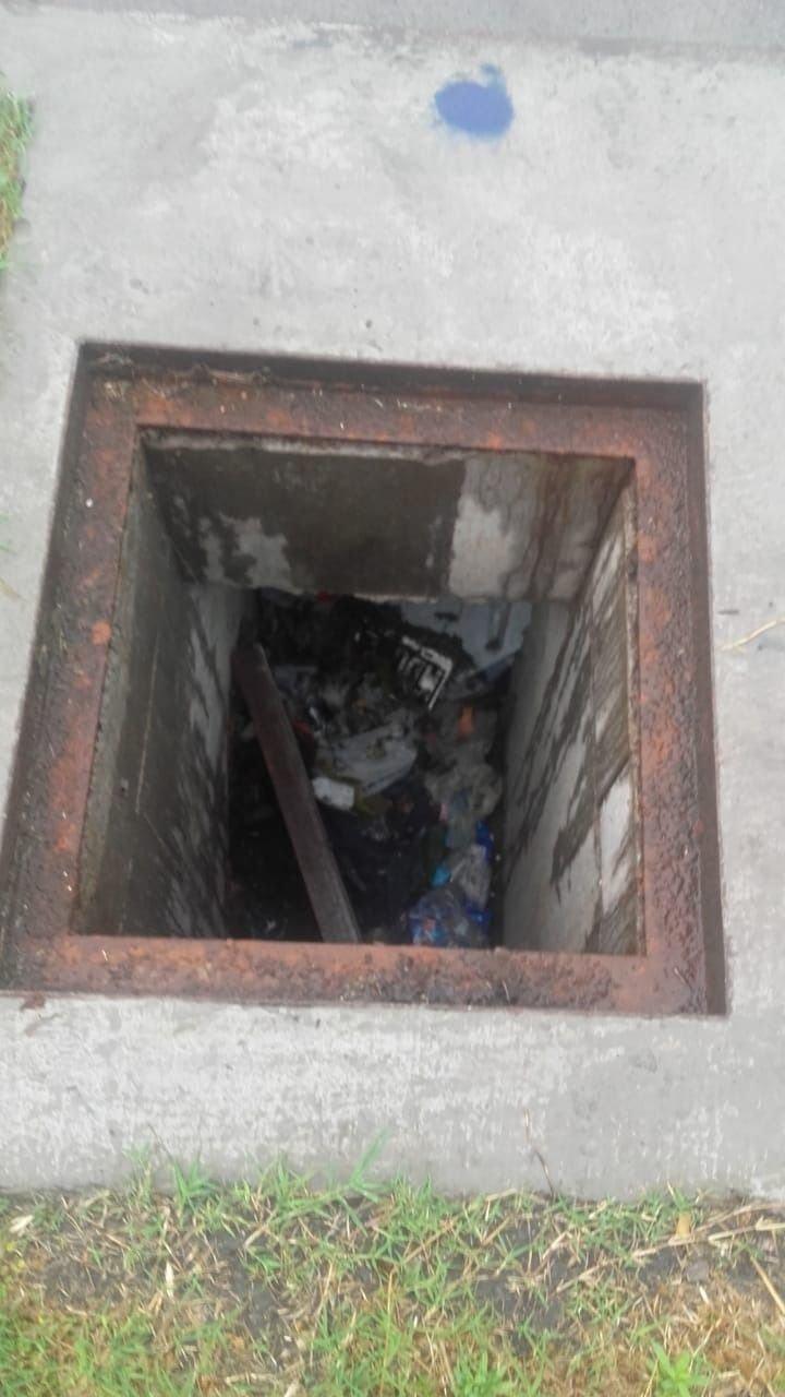 Preocupación en un sector de San Carlos por una cámara de boca de tormenta sin tapa