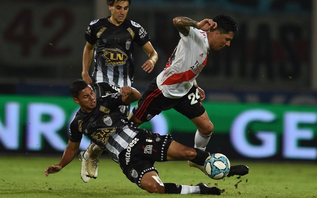 Enzo Pérez se entrenó nuevamente diferenciado pero llegará a la final con Flamengo