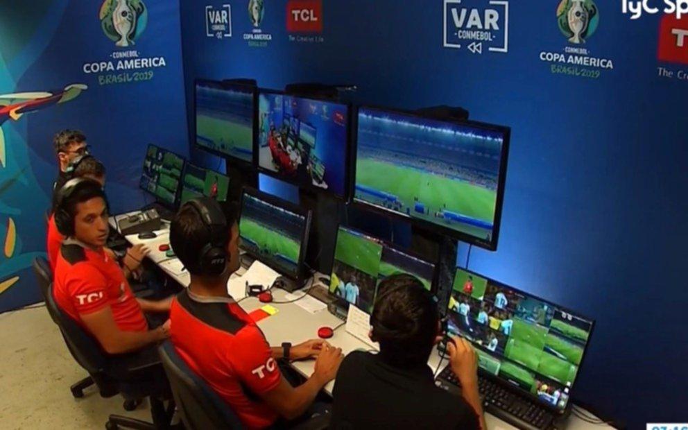 """""""El VAR es una bella m..."""": lo dijo ex futbolista muy famoso por TV"""