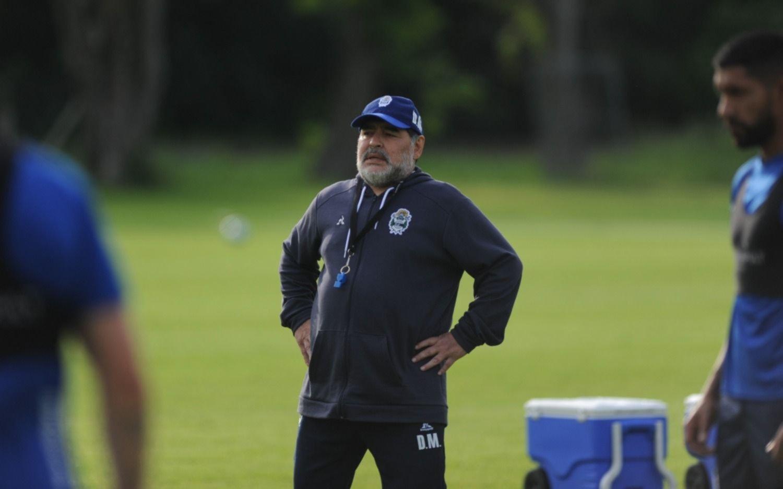 Dos listas, ¿y el futuro de Maradona?: por el momento no habrá comunicación oficial sobre su continuidad