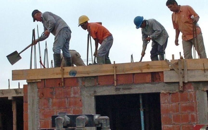 El costo de la construcción avanzó 4,2% en octubre y acumula un alza de 48,3% en 12 meses