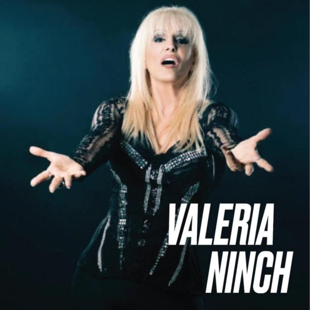 Mundo bizarro: Lo del cambio de apellido de Valeria Lynch, ¿era una jodita para Tinelli?