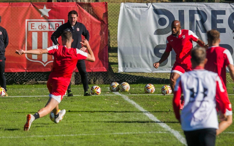 El Pincha continúa preparando el juego contra Colón