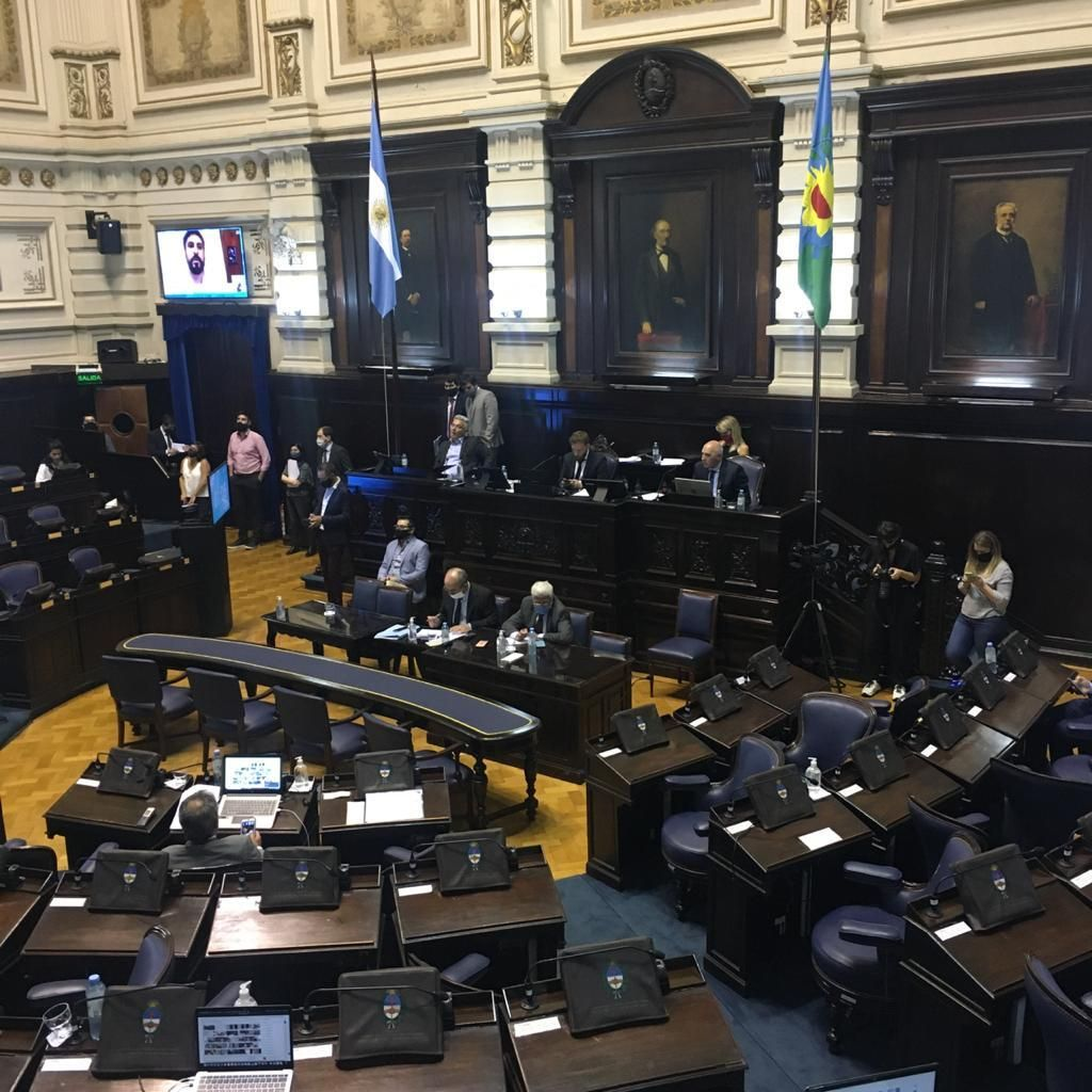 Con críticas de la oposición, ya se debate el proyecto de presupuesto de Kicillof