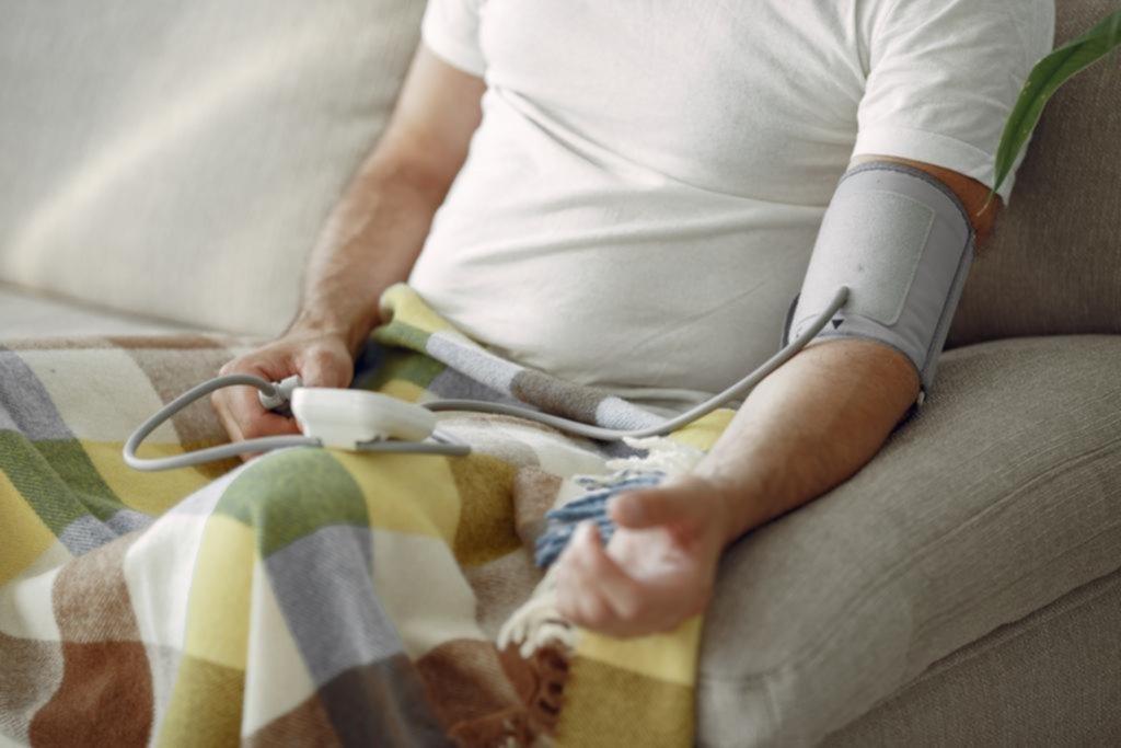 Aseguran que hay más casos de hipertensión por el aislamiento