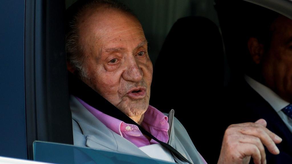 """Juan Carlos I, investigado y exiliado, """"celebra"""" los 45 años del inicio de su reinado"""