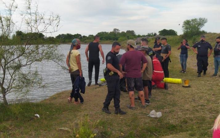 """Un chico de 15 años se ahogó en la """"cantera de la Autopista"""""""