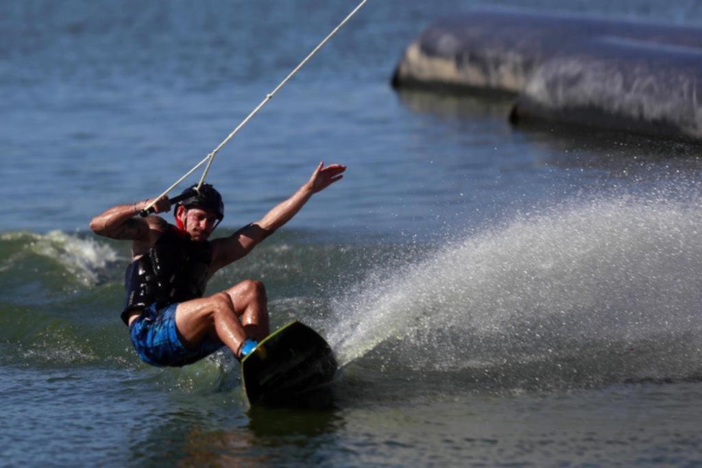 La Plata en imágenes: saltar en el agua