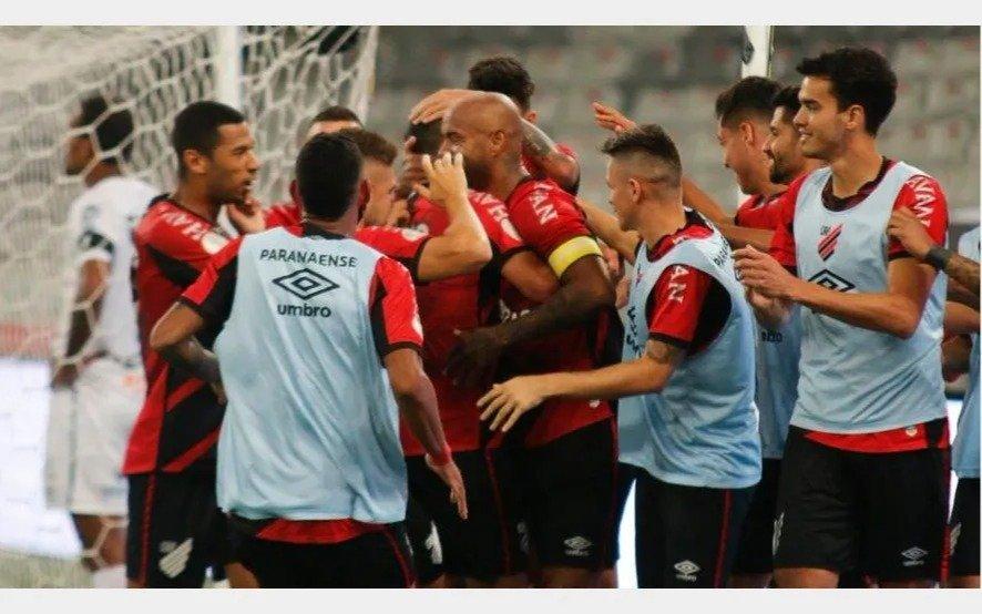 Seis casos de coronavirus en Athletico Paranense, quien mañana enfrenta a River por la Libertadores