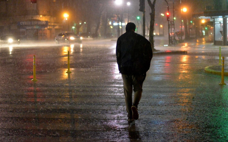 """Llueve en la Región: """"Se esperan tormentas fuertes e importante actividad eléctrica"""""""