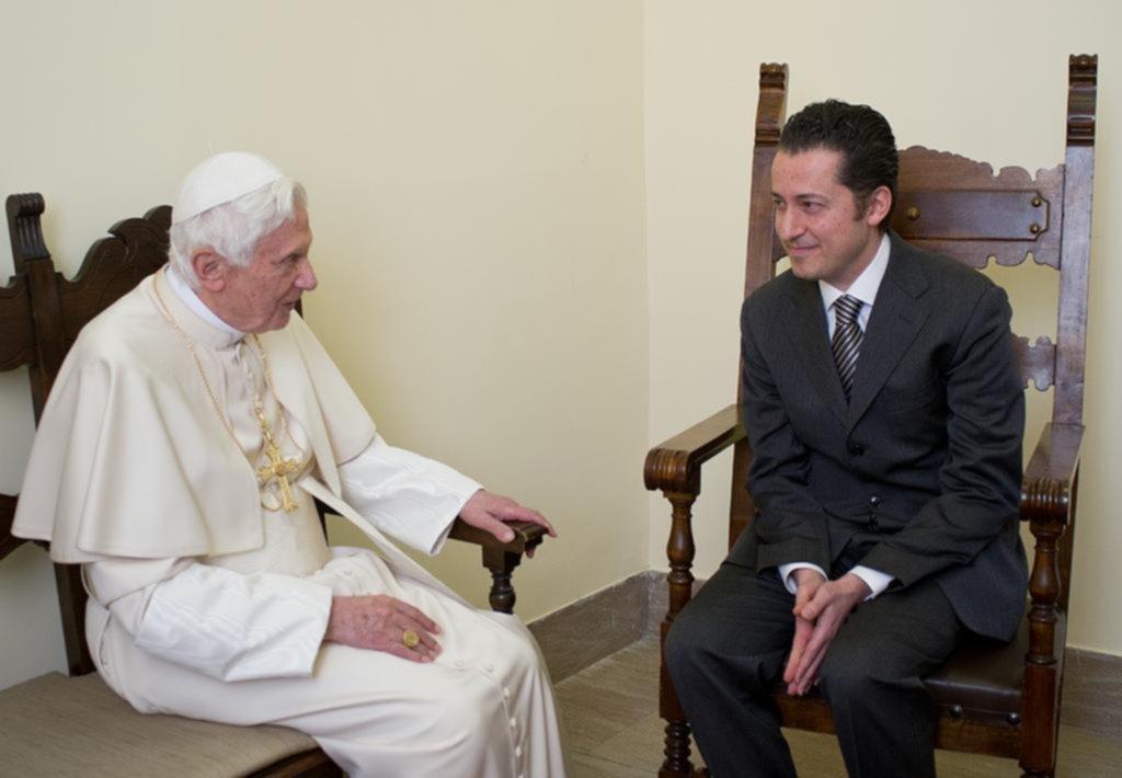 La historia del mayordomo que traicionó a un Papa y sacó a la luz secretos del Vaticano