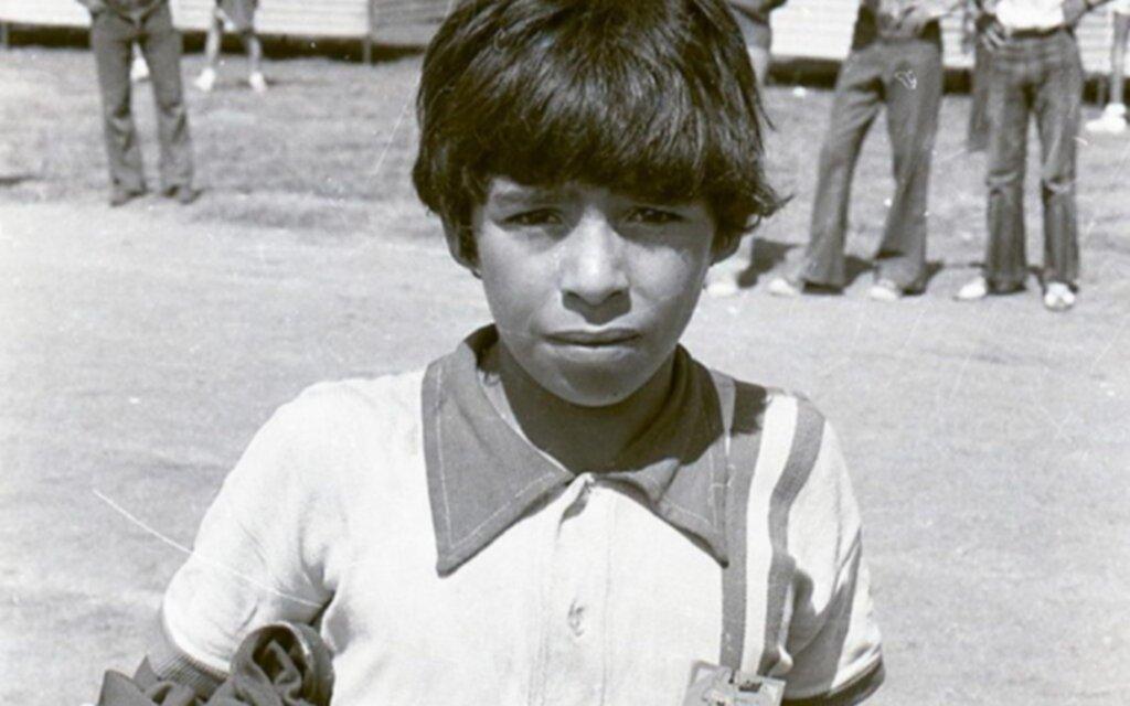 """""""No llores, vas a ser el mejor jugador del mundo"""": La profecía cuando Diego era un cebollita"""