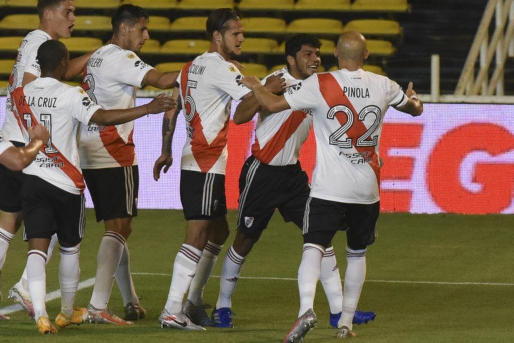 River ganó en Rosario y condenó al Canalla