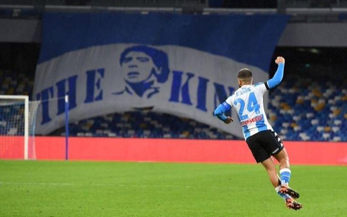Nápoli goleó 4-0 a Roma: jugó con una camiseta especial por Diego