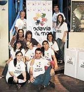 Jóvenes platenses se asocian para ayudar en los barrios