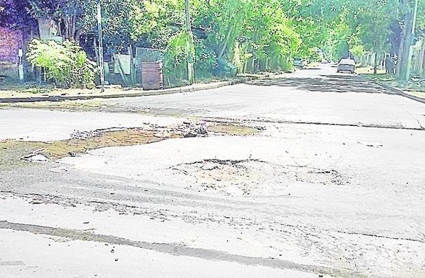 Villa elvira denuncian que hay poca presi n de agua y for Poca presion de agua